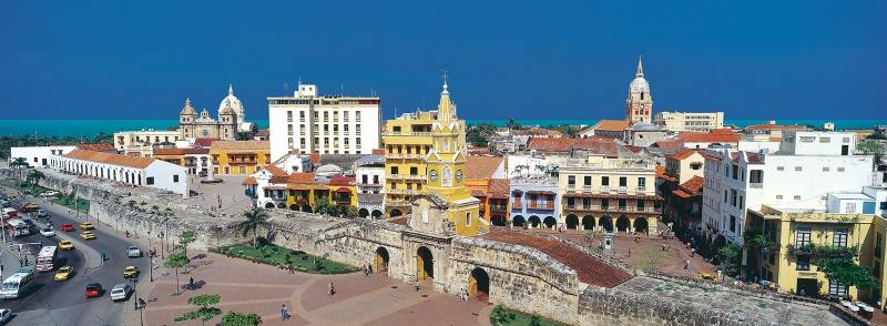 Cartagena panarama Colombia Llama Travel