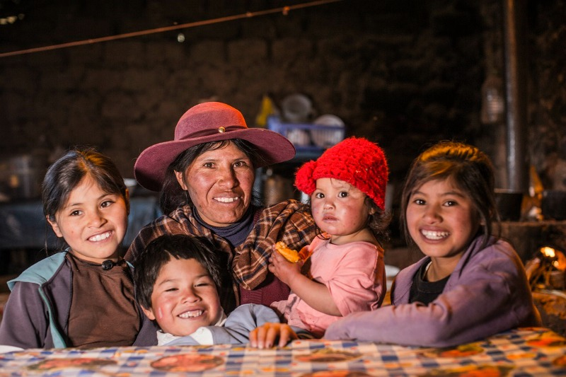 Peruvian family in the Sacred Valley Sol y Luna Hotel Association Peru