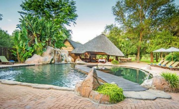 Swimming pool, Shiduli Private Game Lodge, Kruger