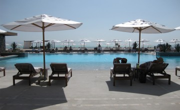 Swimming pool, Hotel Doubletree, Paracas, Peru